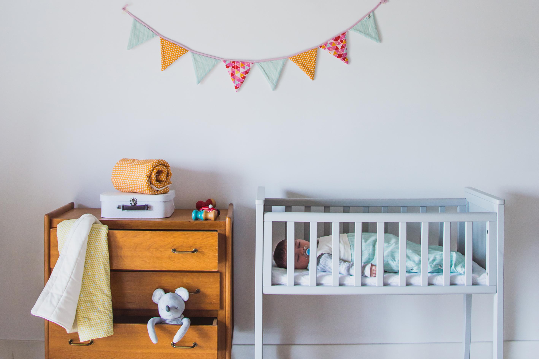 avoldoiseau-cadeaux-de-naissance-bio-arolle-fanions-bebe