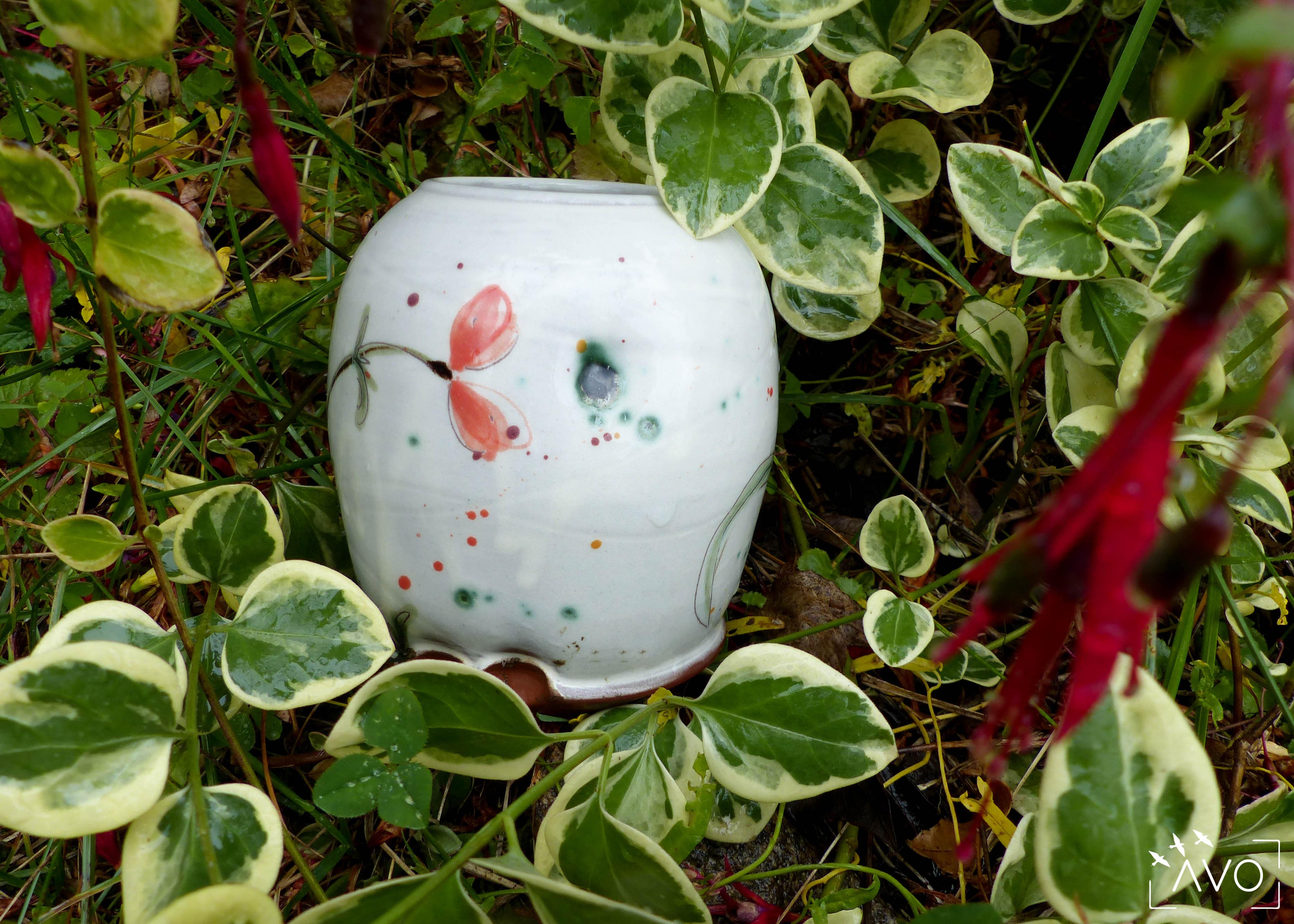 marina-leflon-ceramiste-courzieu-atelier-gres-faience-fleurs-terre-avo-avoldooiseau-ceramiques-art-de-la-table-poterie
