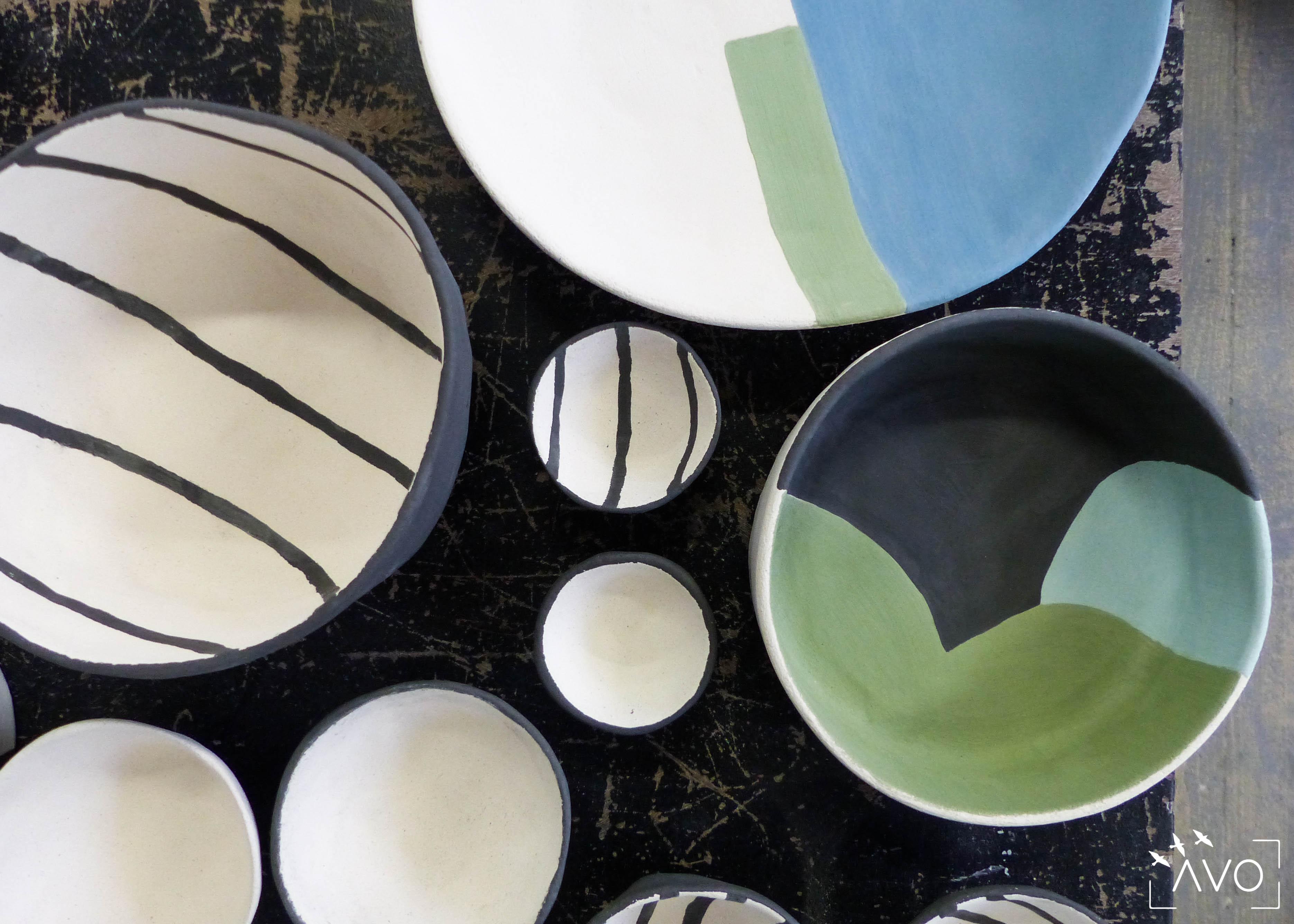 savoir-faire-ceramique-faience-decoration-bol-plat-creatrice-colore-email-terre-local-sabine-orlandini-atelier-rayures-vert