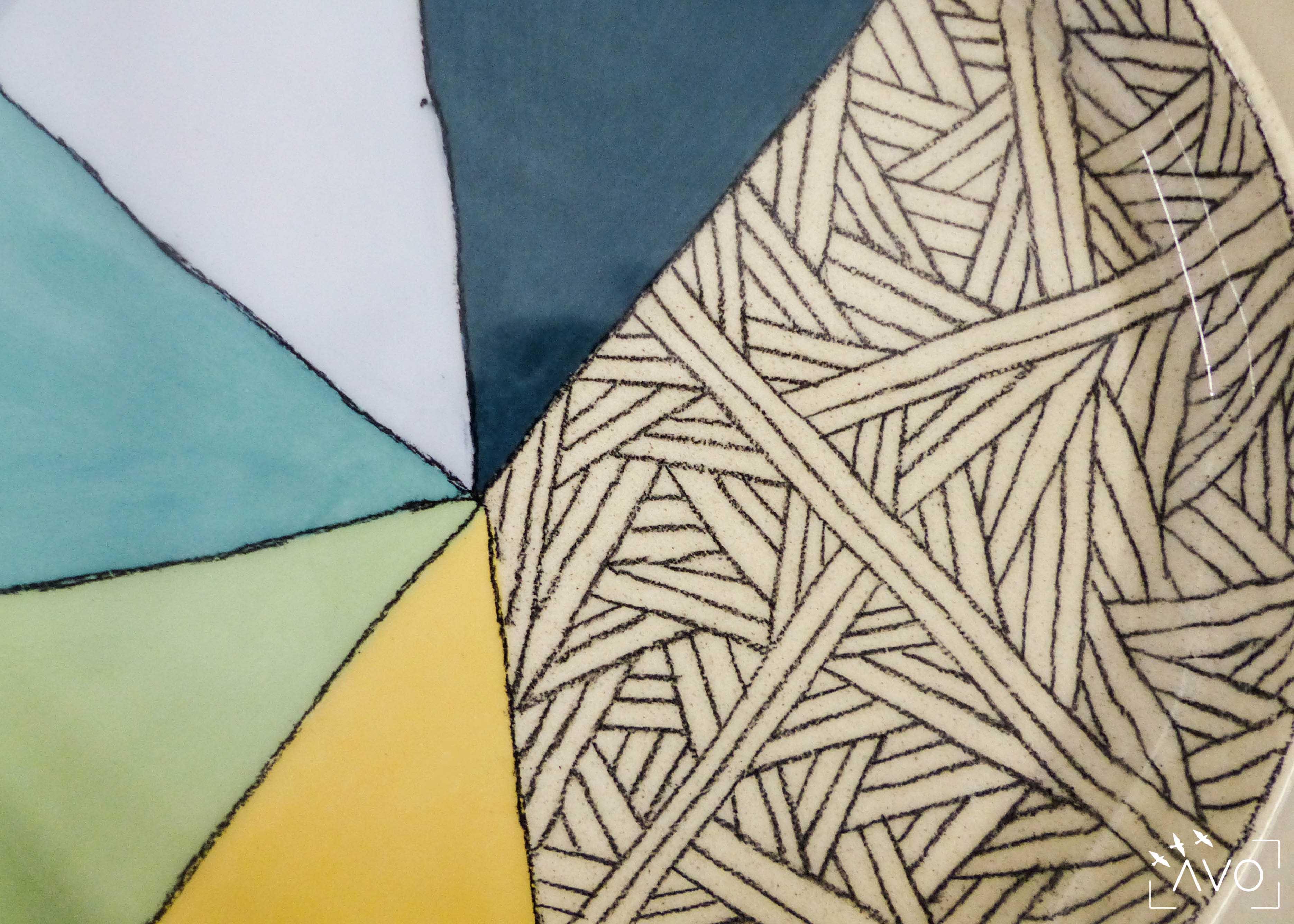 savoir-faire-ceramique-faience-decoration-bol-plat-creatrice-colore-email-terre-local-sabine-orlandini-motif
