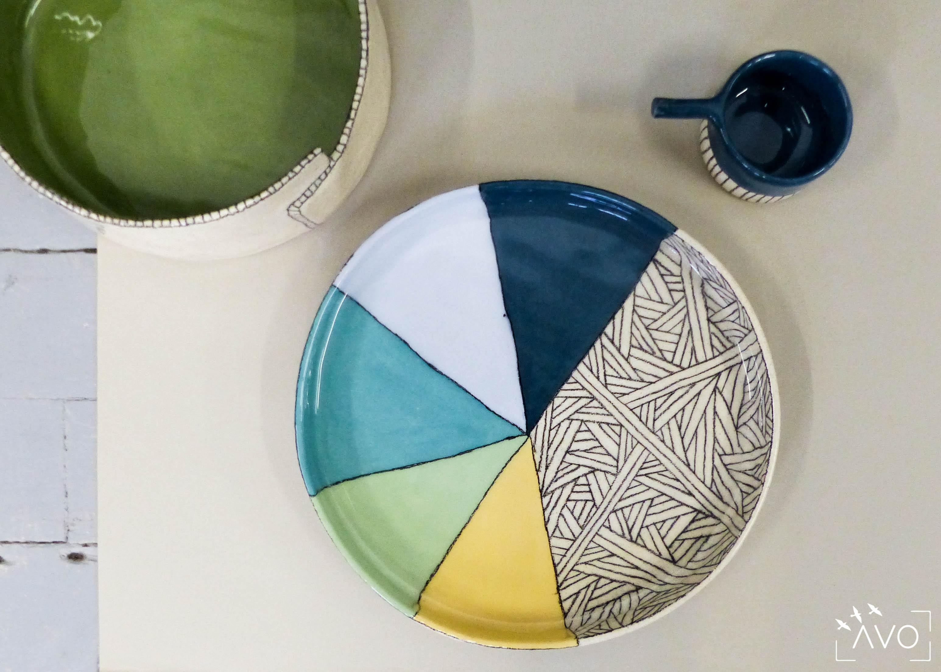 savoir-faire-ceramique-faience-decoration-bol-plat-creatrice-colore-email-terre-local-sabine-orlandini