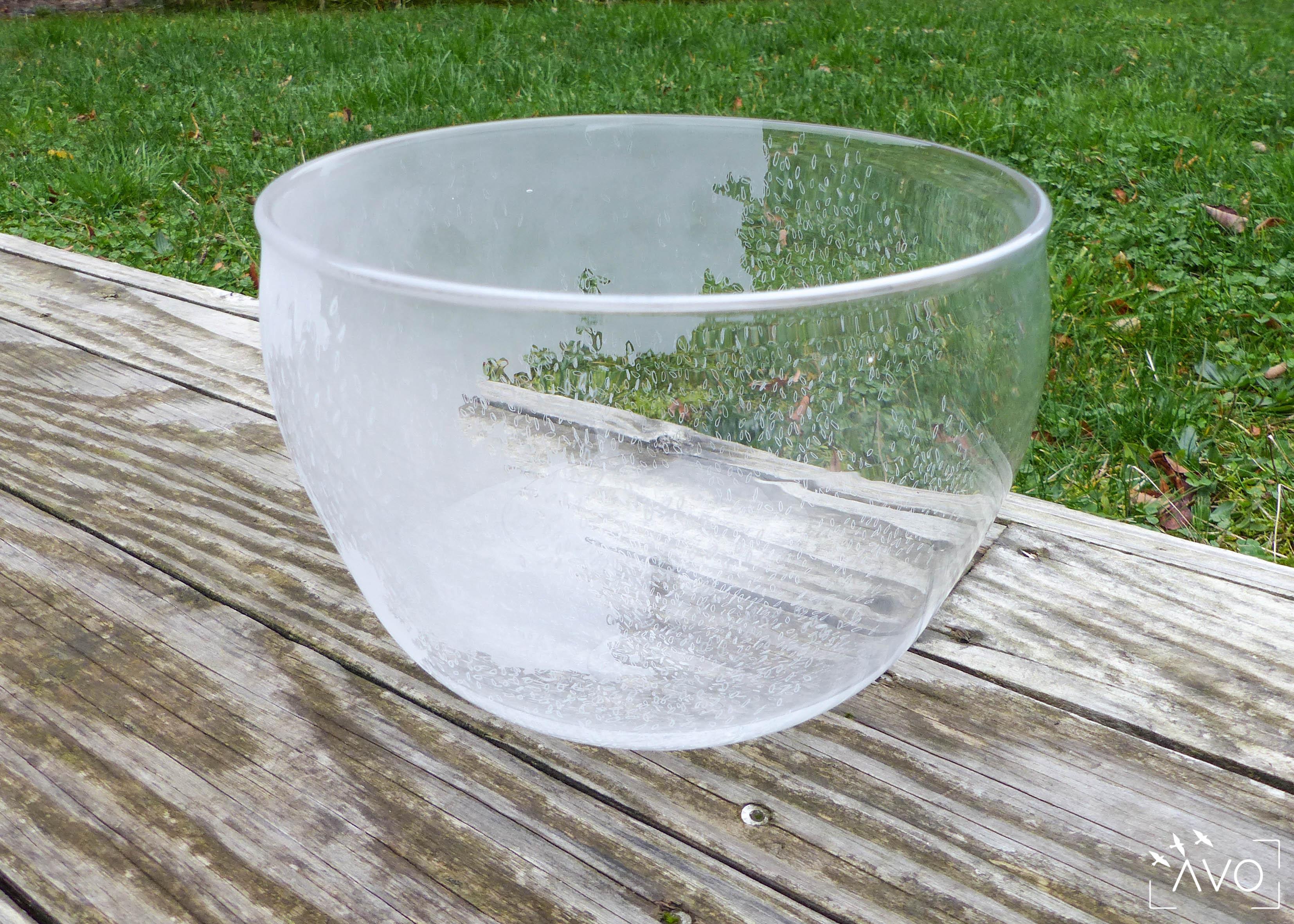 julia robert verrerie chazelles atelier verre dessin graphisme souffleur moderne art de la table saladier