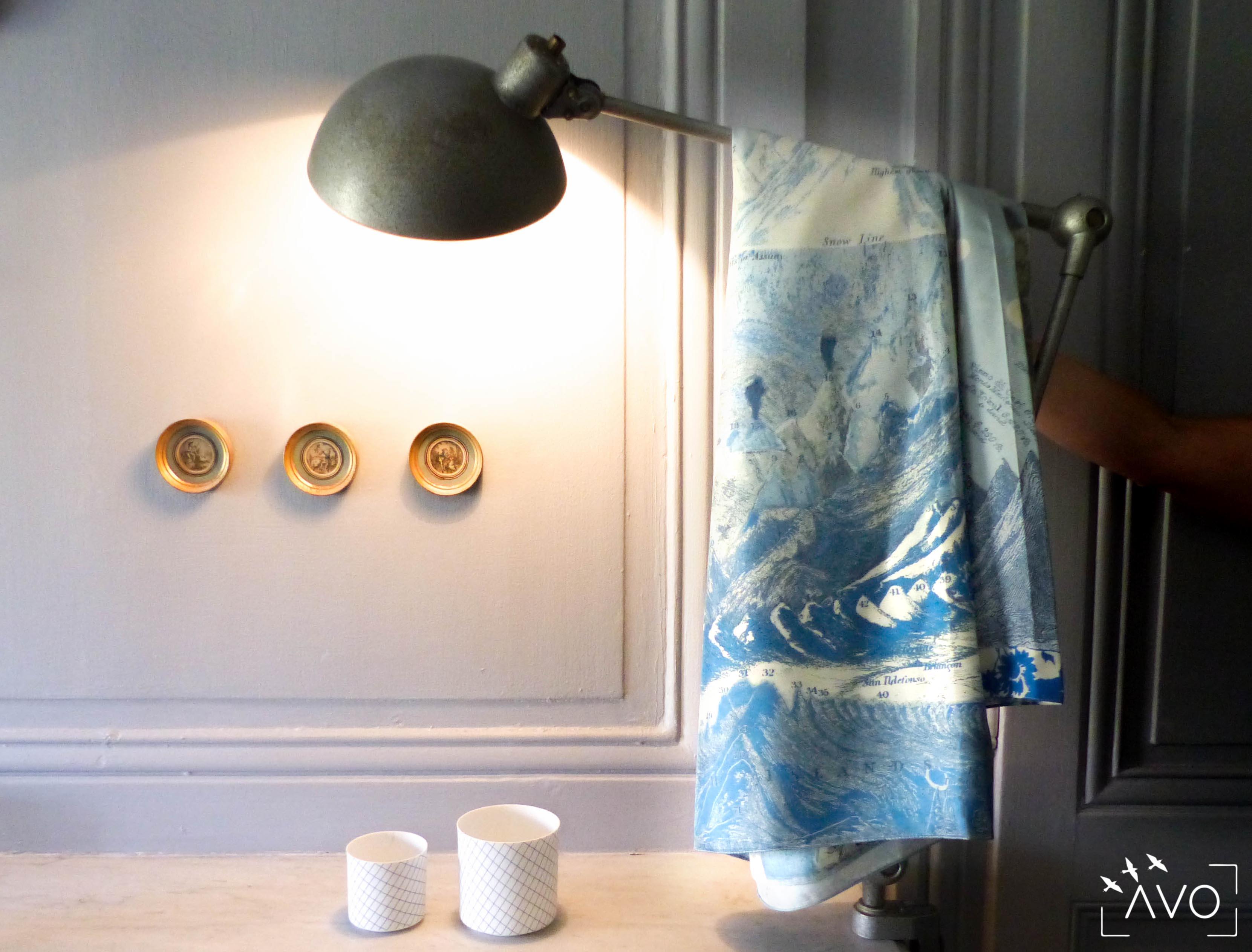 lso créations foulards lyon soie détail histopire poésie couleur bleu