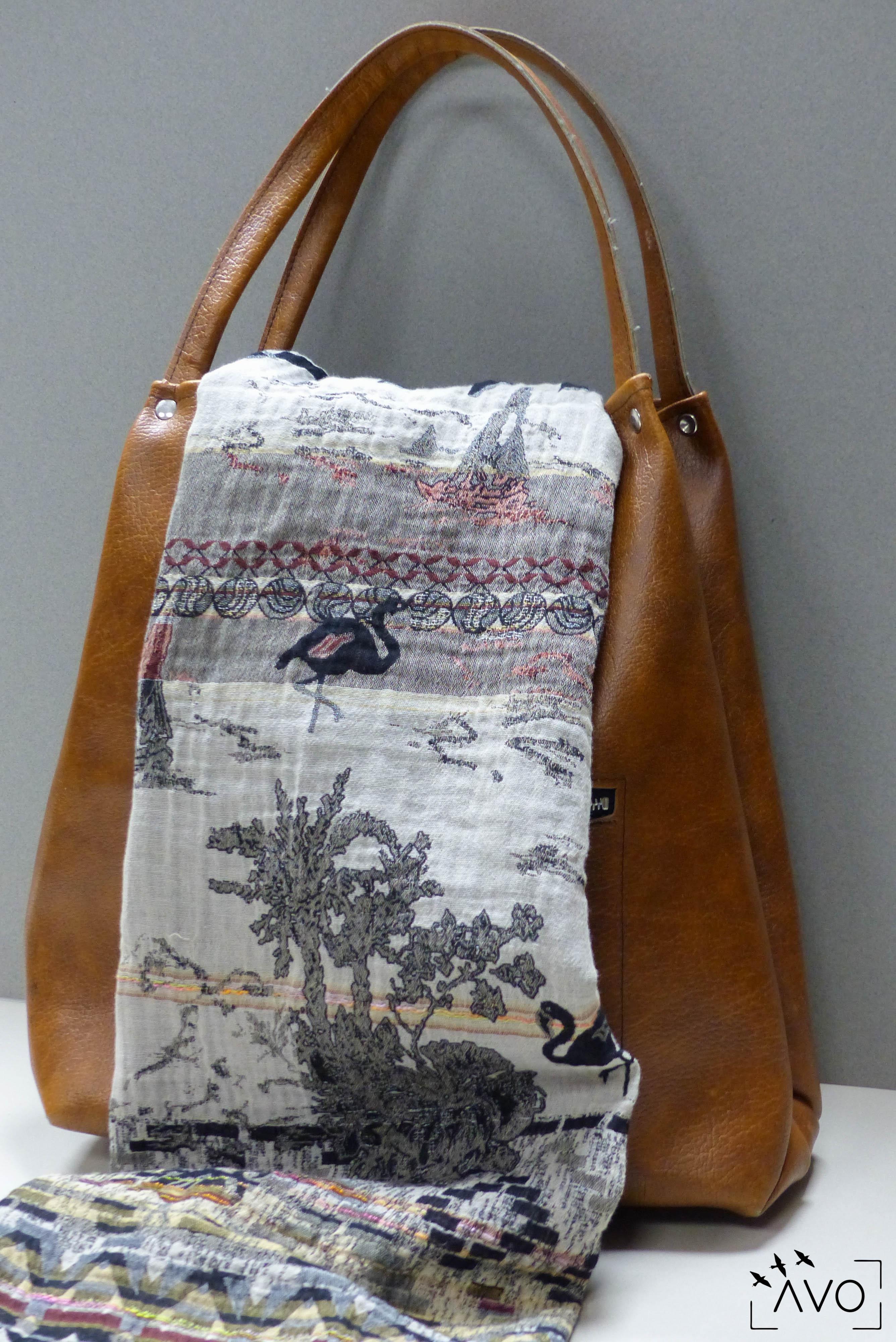 étole Létol foulard madeinfrance charlieu loire motif fleur géométrique flamand moderne sac