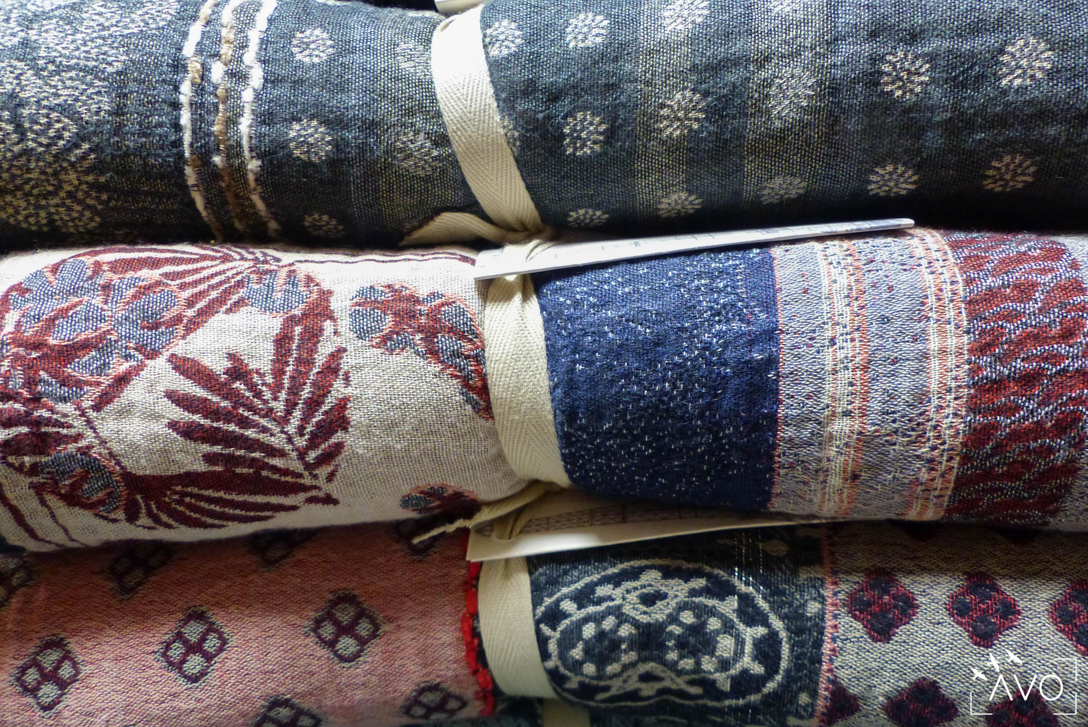 étole Létol foulard madeinfrance charlieu loire motif fleur géométrique beau dessin cadeau rouleaux