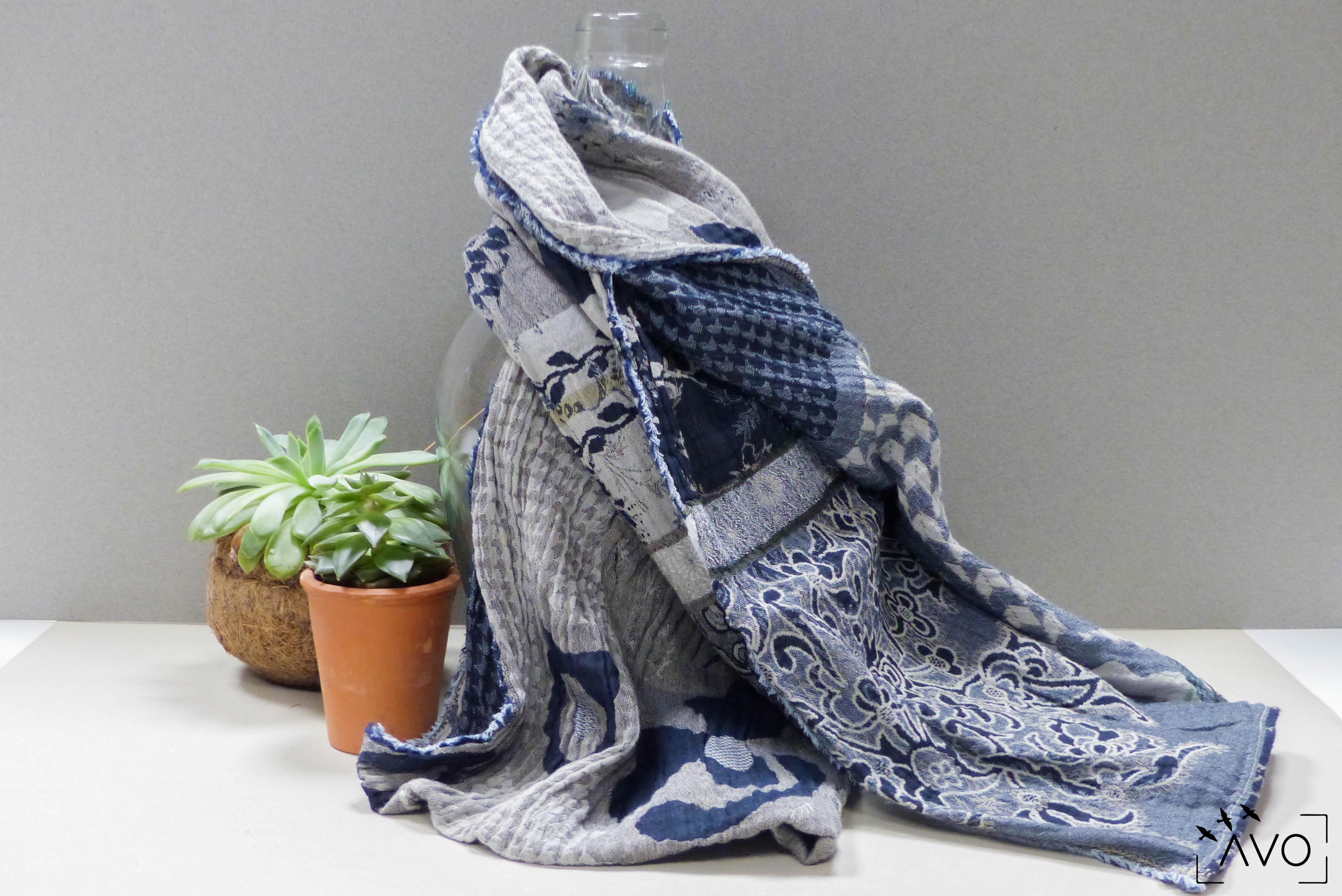étole Létol foulard madeinfrance charlieu loire motif fleur géométrique