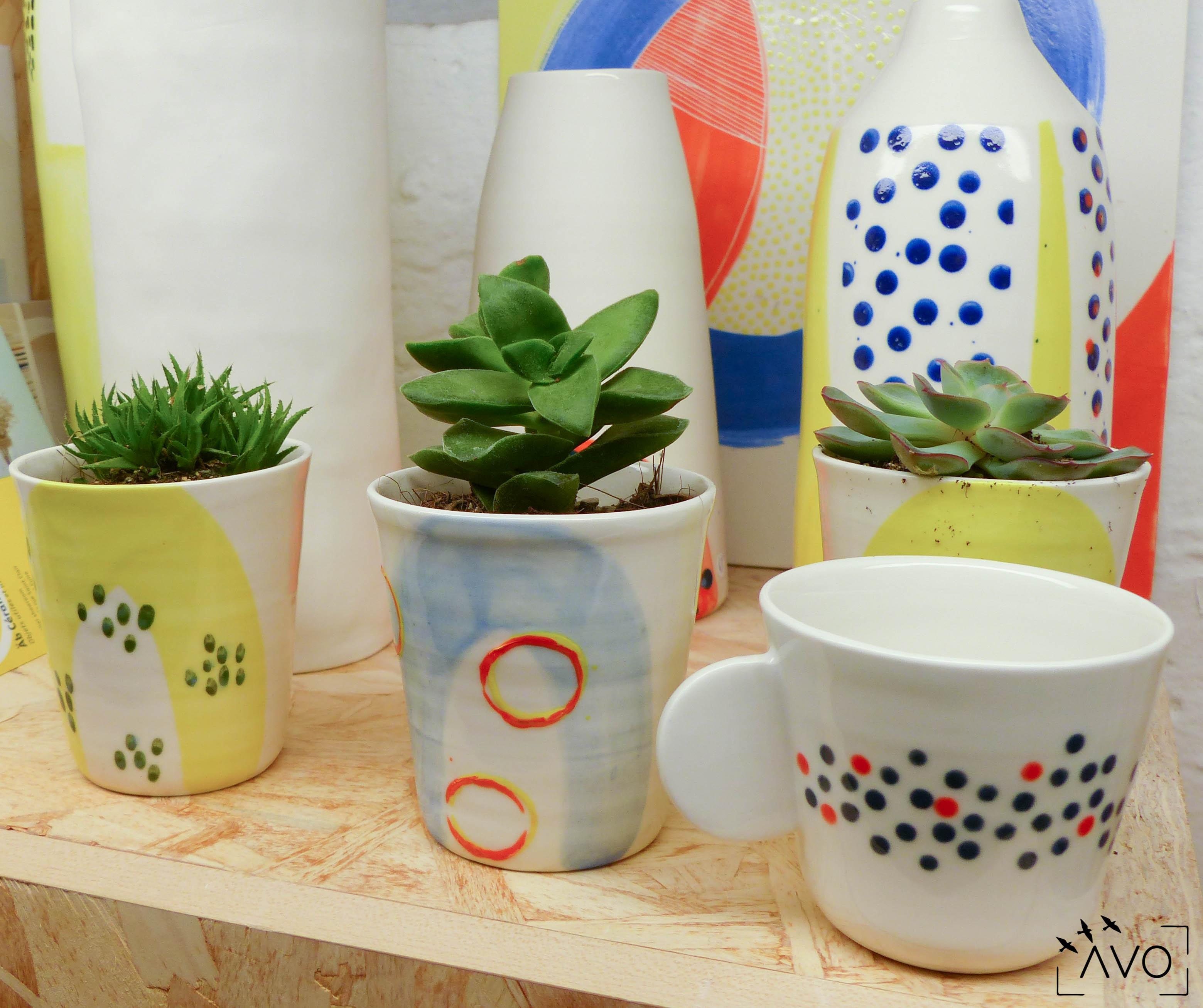 céramique tasse pois porcelaine caluire lyon abcéramique atelier blanc couleur rond pois