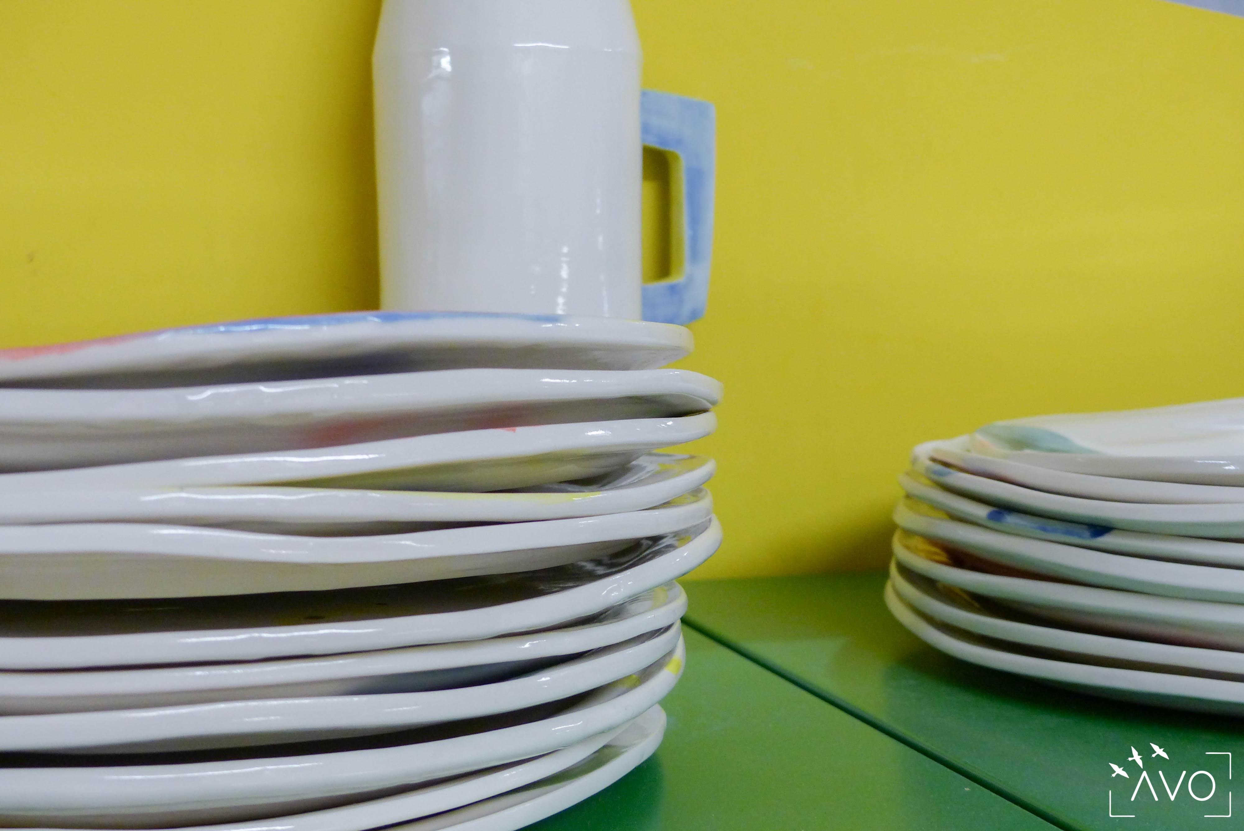 céramique tasse pois porcelaine caluire lyon abcéramique atelier blanc couleur irrégularité