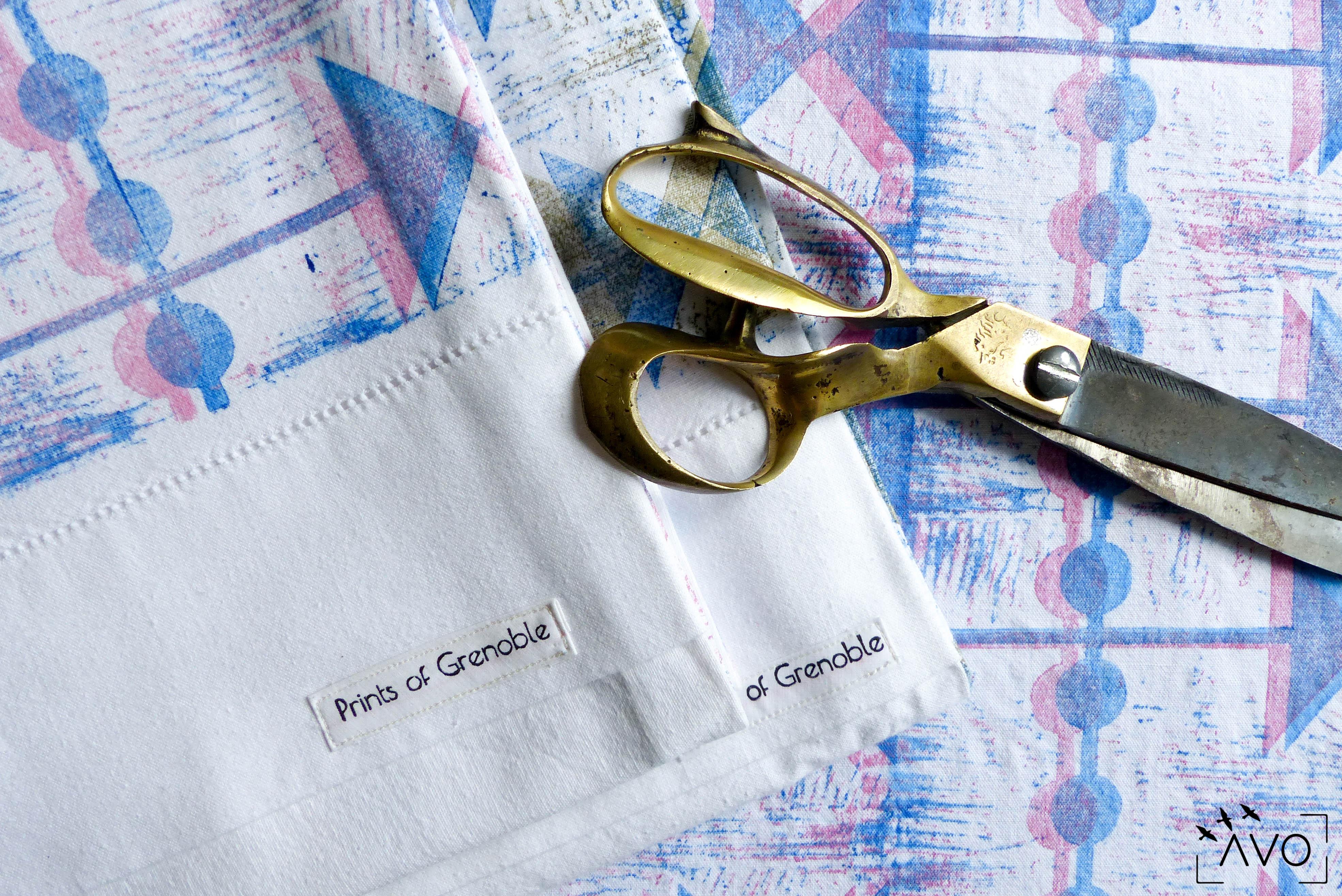 prints of grenoble linoleum atelier zero dechet eco dessin 70 grenoble coussins ciseaux laiton